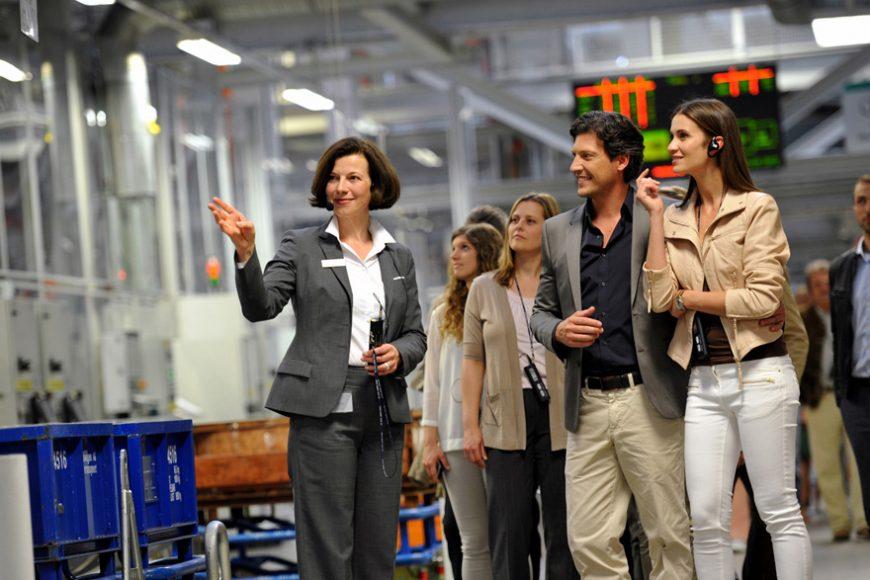 thuyết minh không dây cho các tour thăm quan nhà máy